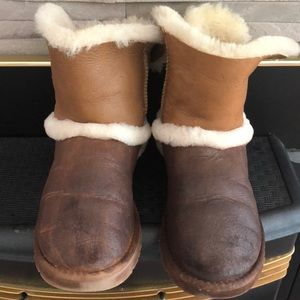 UGG Shoes - Leather sheepskin buckle UGGs.  🥾